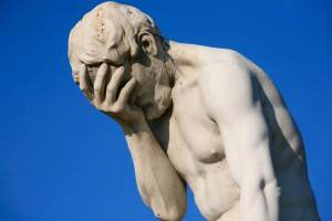 Paris_Tuileries_Garden_Facepalm_statue-1