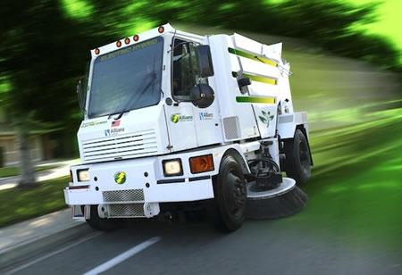Hybrid-Street-Sweeper-2